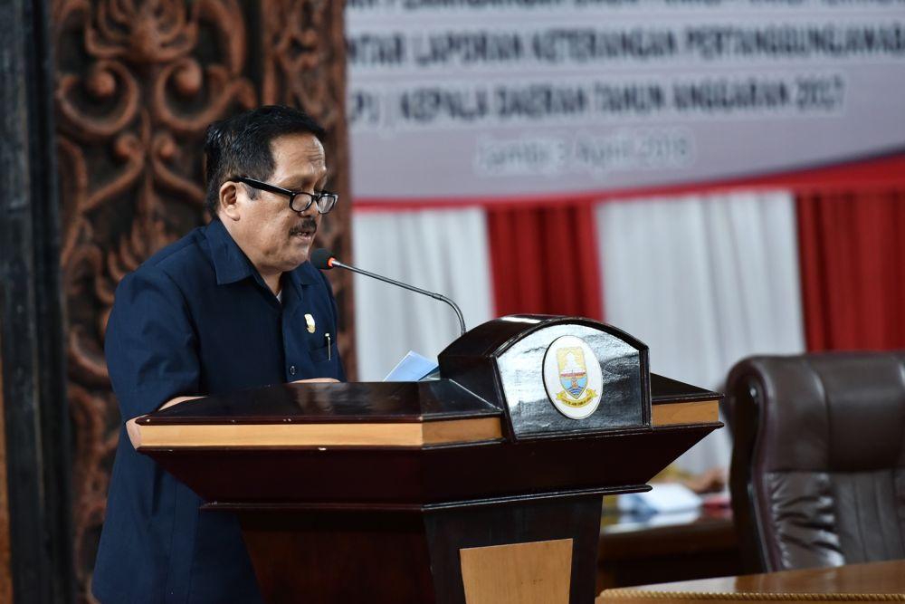 Fraksi Demokrat  Memberi  Pandangan  terhadap LKPJ Gubernur 2017