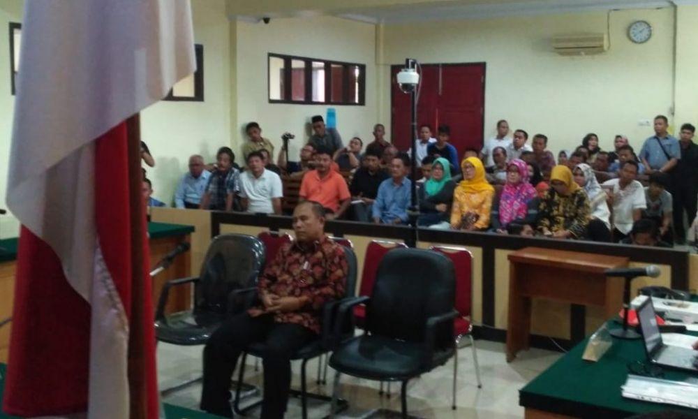 Mantan Asisten III Setda Provinsi Jambi Saipudin divonis 3 tahun 6 bulan penjara oleh majelis hakim Pengadilan Tindak Pidana Korupsi Jambi, Rabu (25/4)
