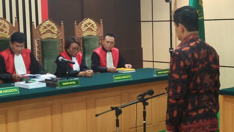 Erwan Malik mantan Plt Sekda Provinsi Jambi Mejelis Hakim Tipikor menjatuhkan hukuman lebih tinggi yaitu dengan vonis 4 tahun dalam kasus suap uang ketok palu pengesahaan RAPBD Provinsi Jambi tahun 2018