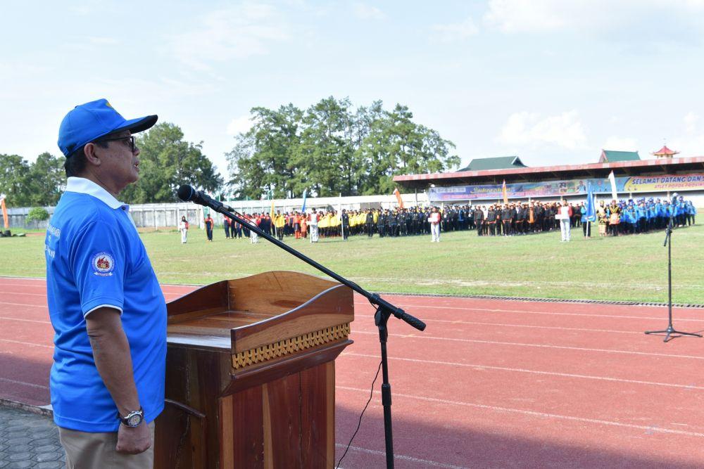 Plt Gubernur Jambi Fachrori saat membuka POPDA