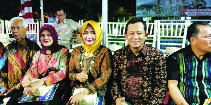 Wabup beserta istri menghadiri HUT Kota Semarang.