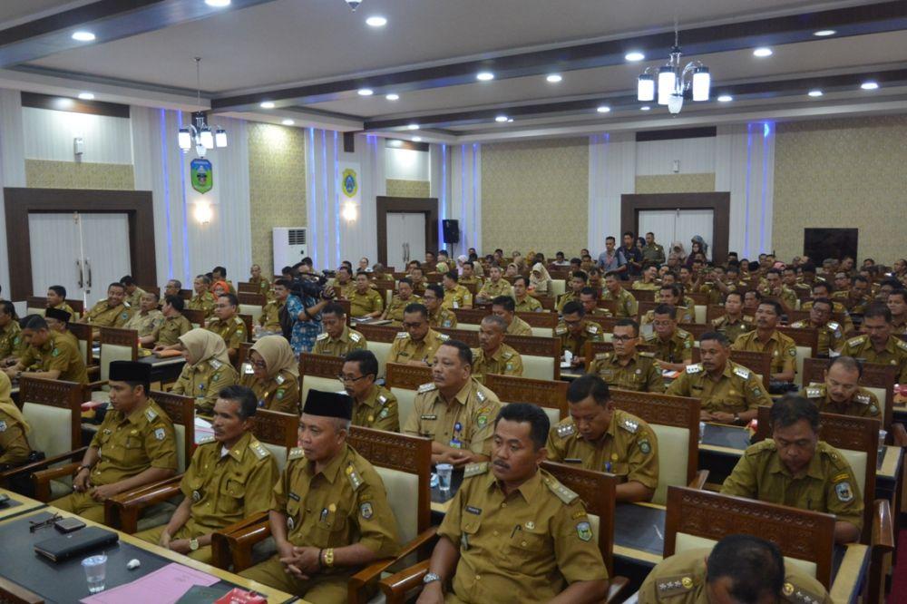 Rapat Koordinasi (Rakor) Camat se-Provinsi Jambi semester pertama 2018 fokus pada peningkatan peran camat dalam menjaga netralitas Aparatur Sipil Negara (ASN) pada pelaksanaan pemilihan kepala daerah, pemilihan legislatif dan pemilhan Presiden.