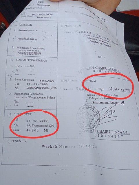 Sertifikat yang dlingkar menunjukkan hari yang sama dalampengukuran dan pengorbitan sertifikat oleh BPN Sarko