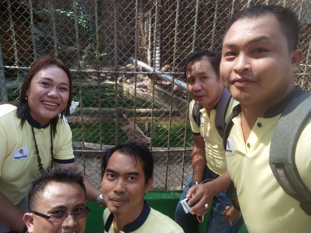 Tim 4 A saat  Selfi dengan Bebek,  di Acara Amazing Journalist Race yang di gelar SKK Migas dan KKKS Sumbangsel.