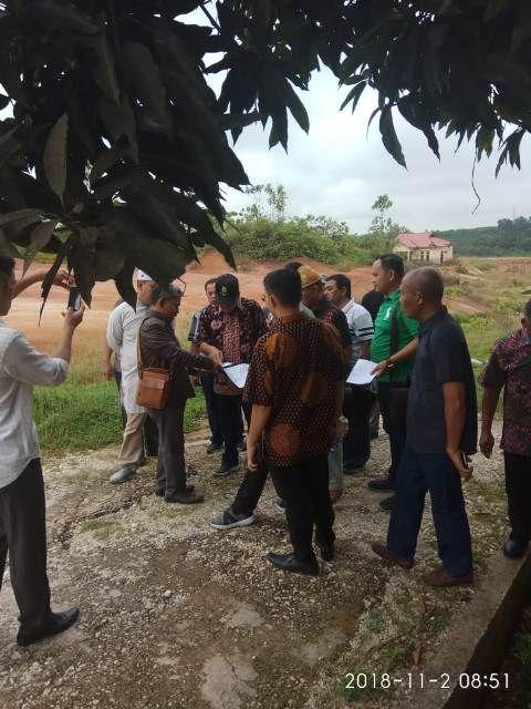Suasana sidang lapangan hakim Tipikor Jambi pada Jum'at 2 November 2018 pagi di lokasi pembangunan Perumahan PNS Sarolangun