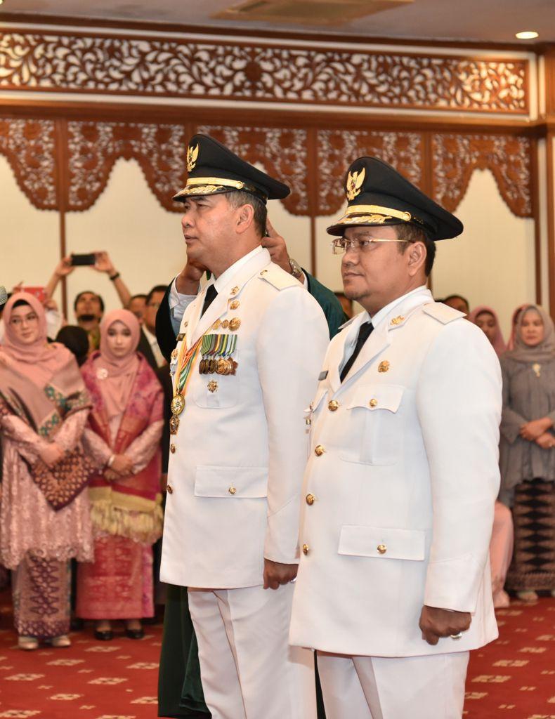 Fasha dan Maulana Resmi Menjadi Walikota dan Wakil Walikota Jambi