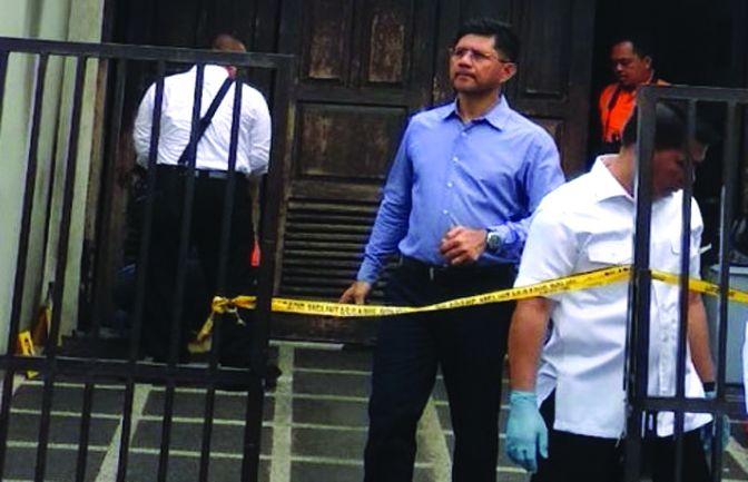 Polisi melakukan oleh TKP di rumah pimpinan KPK yang diteror BOM