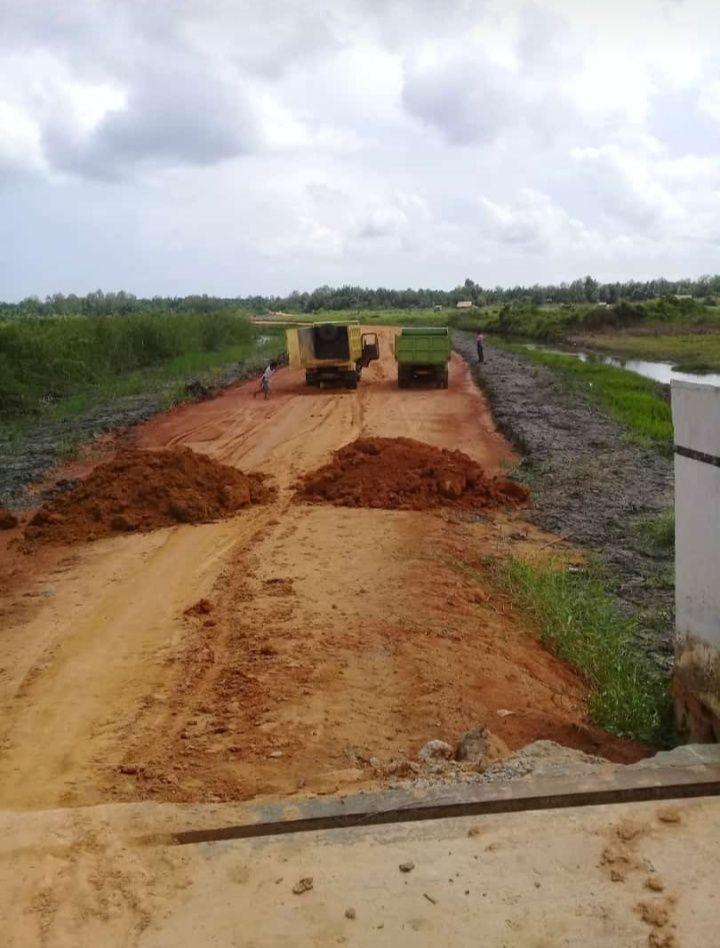 Jalan Lintas Pelabuhan Roro yang di bangun PT BCL yang Tak Selesai