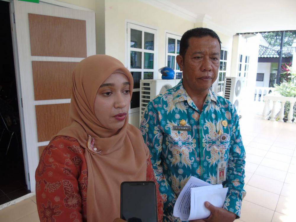 Nadya Abujani Memberikan Keterangan Pers