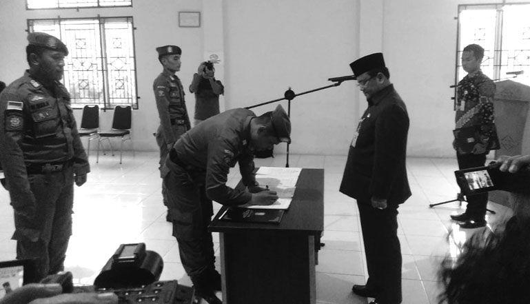 Wawako Saat Melantik 3 Pejabat Fungsional di Tubuh Satpol PP Jumat Lalu