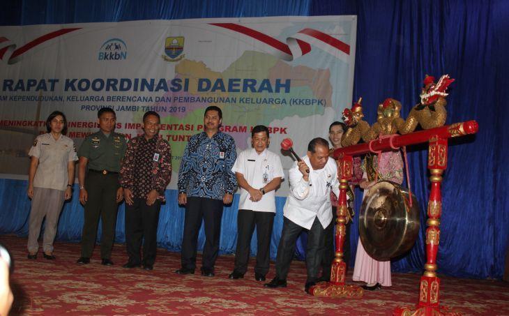 Pembukaan Rapat Koordinasi Daerah (Rakorda) Program Kependudukan, Keluarga Berencana dan Pembangunan Keluarga (KKBPK) Provinsi Jambi.jpg