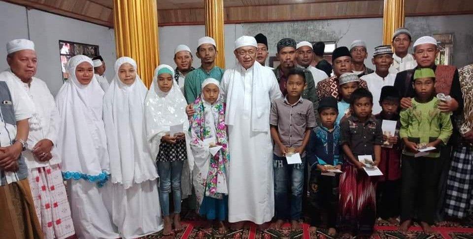 Bupati, H Cek Endra dan Sekda H Thabroni Rozali Subling ke 172 di Masjid Desa Sungai Keradak, Kecamatan Batang Asai.