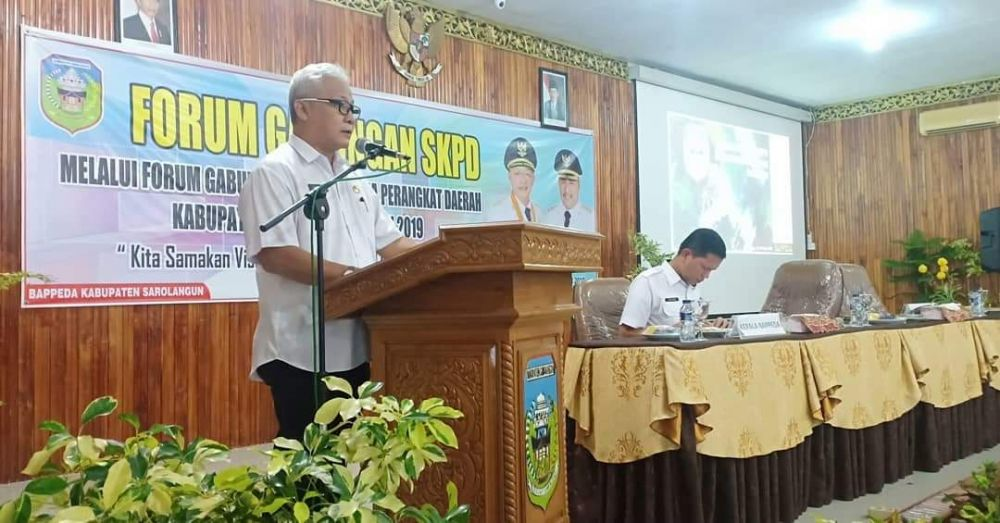 Asisten III Setda Pemkab Sarolangun, Azrian MSi dan Ir Dedy Hendry MSi