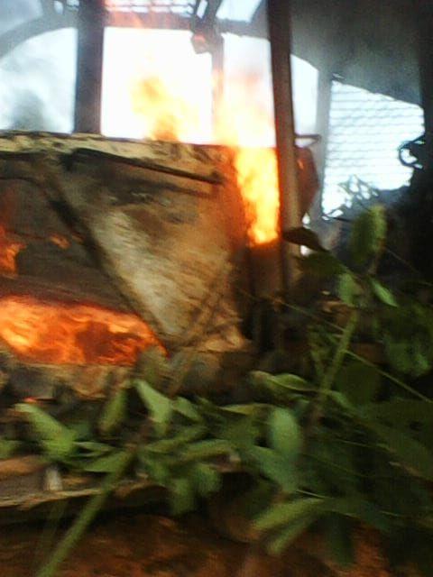 Alat berat Milik PT LAJ yang dibakar warga beberapa waktu lalu