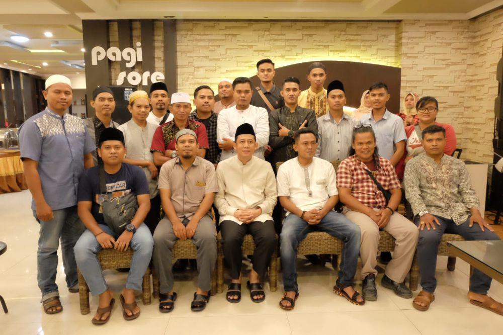 BBS foto berama wartawan usai buka puasa bersama.