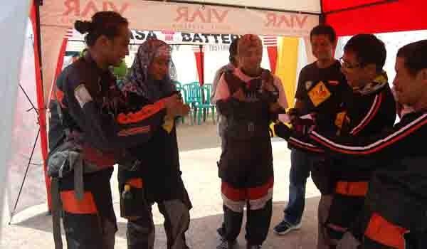 SINGGAH DI JAMBI: Tim Jelajah Indonesia Viar-Yuasa saat singgah di  Jambi, setelah start dari titik nol Indonesia, Sabang