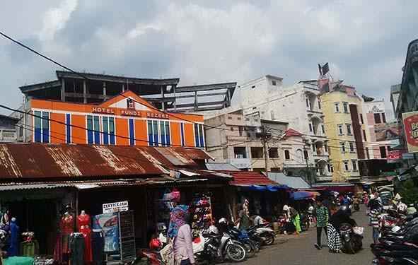 Situasi di kawasan Hotel Pundi dan Malioboro Pasar Kota Jambi.