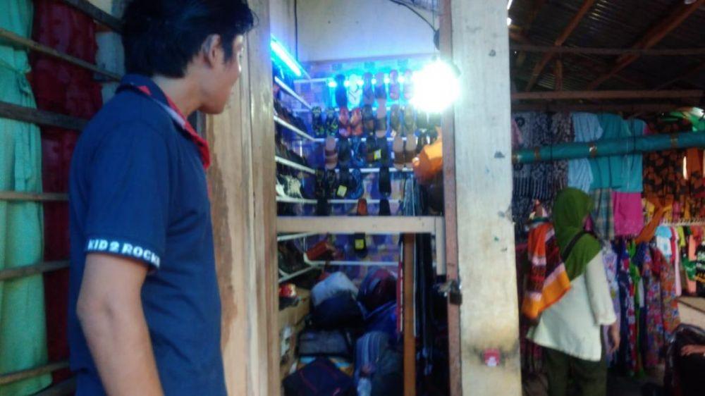 Salah Satu Kios Pasar KT yang Diobok obok Pencuri