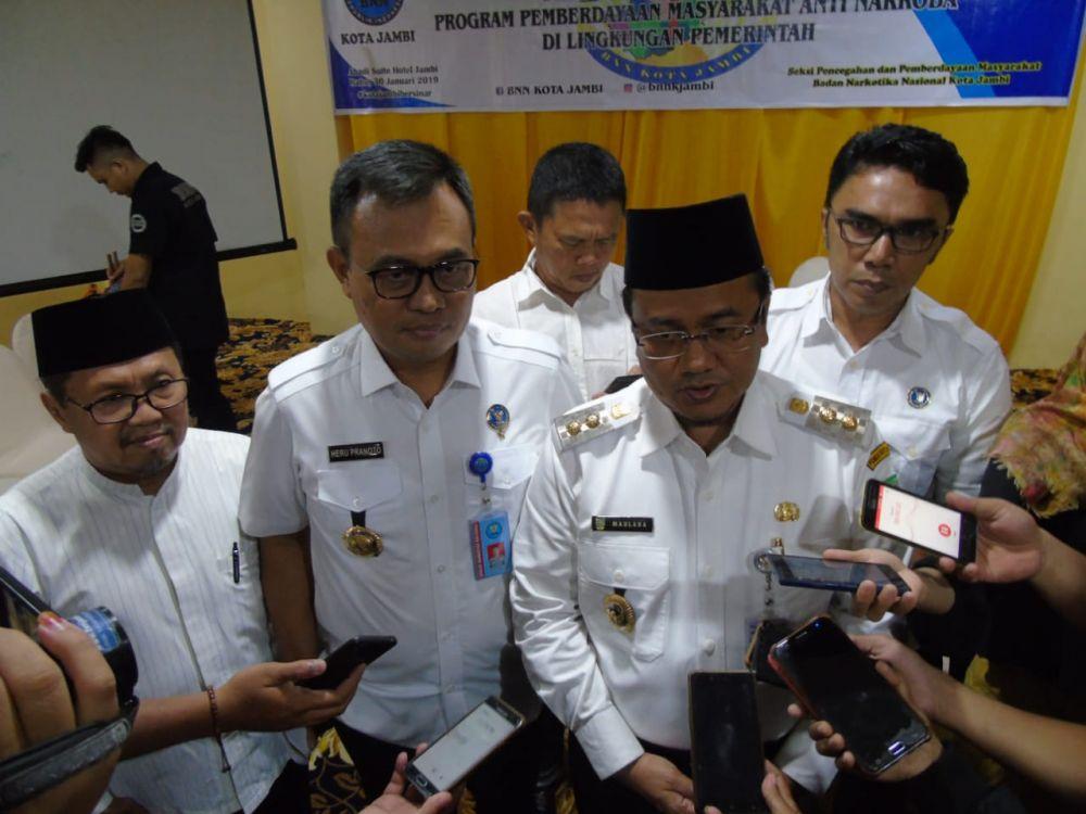 Maulana diwawancara Wartawan
