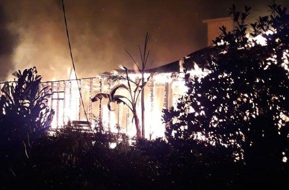 Rumah yang terbakar di Kualatungkal