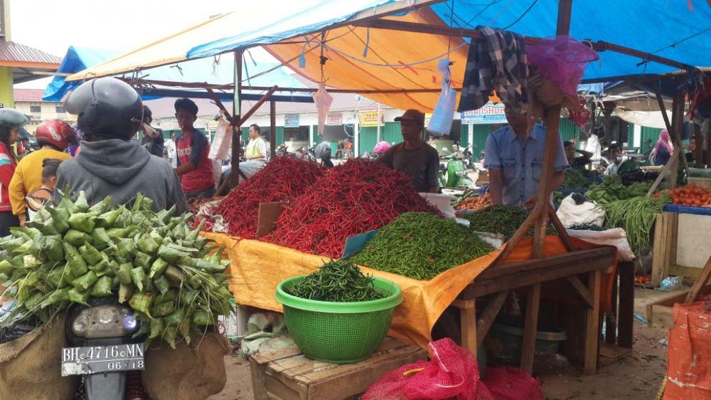 Harga cabai di Kota Jambi dan Muarojambi semakin pedas.