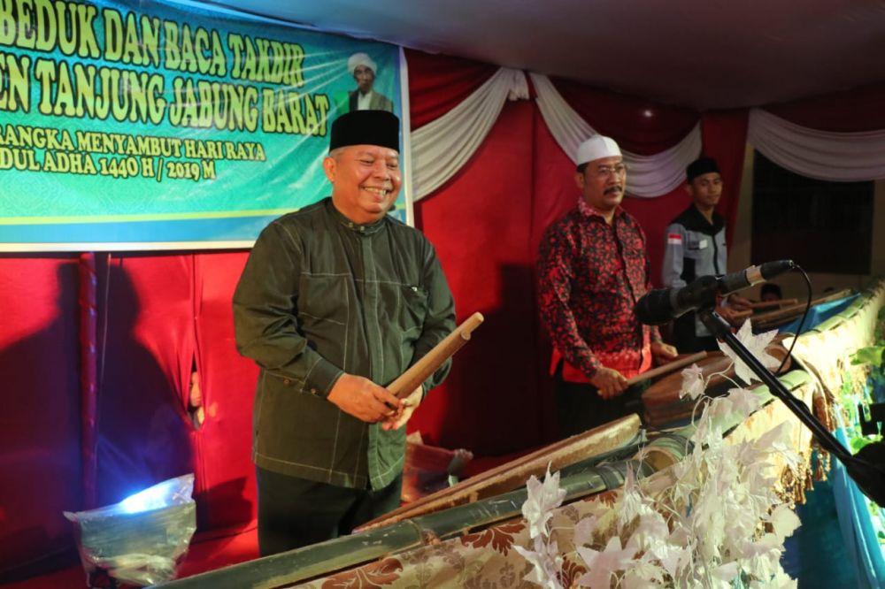 Bupati Tanjabbarat membuka festival bedug.
