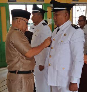 Jamhuri Resmi Jabat PJ Kades Sungai Abang dan Sugiono PJ Kades Desa Baru