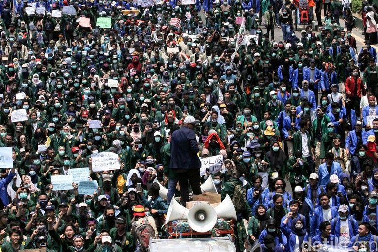 Ribuan Mahasiswa yang melakukan demo