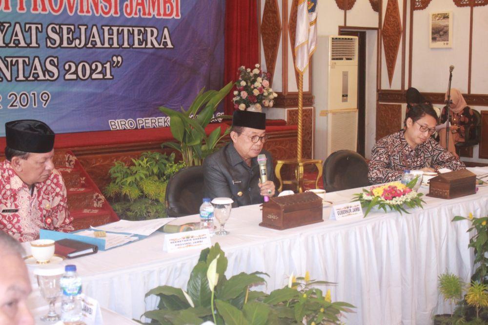 Fachrori saat membuka High Level Meeting Tim Pengendalian Inflasi Daerah (TPID) Provinsi Jambi Semester II Tahun 2019, di Auditorium Rumah Dinas Gubernur Jambi, Kamis (05/12).