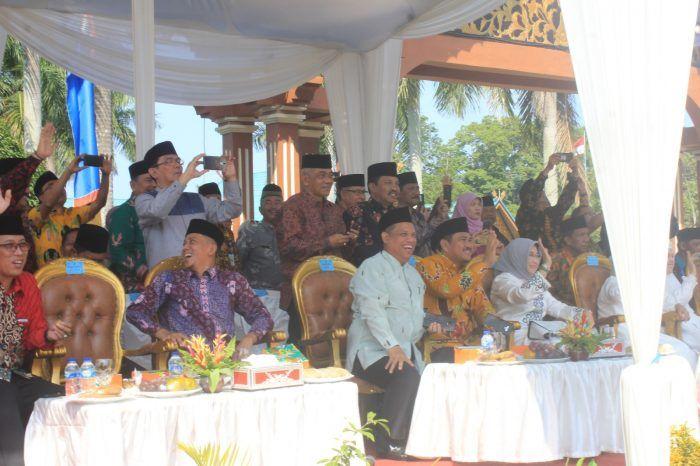 Pawai Taruf Musabaqah Tilawatil Qur'an (MTQ) ke-49 Tingkat Provinsi Jambi Tahun 2019, yang diselenggarakan di Kabupaten Bungo, Sabtu (16/11-2019).