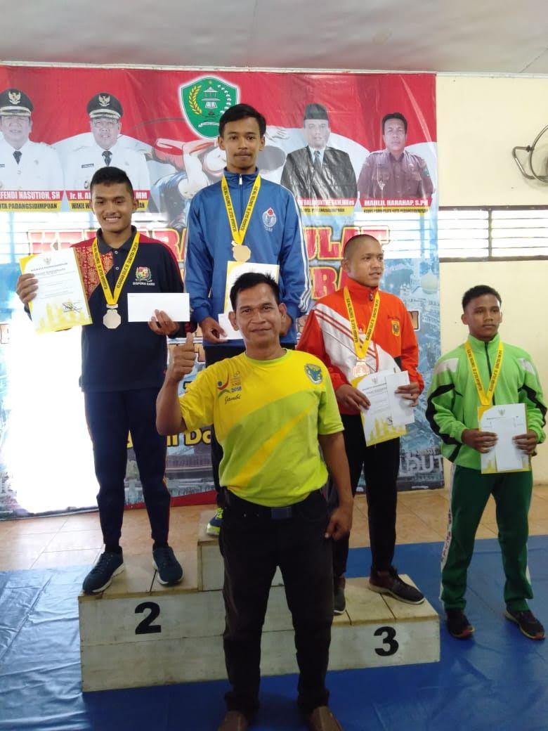 Pegulat Batanghari raih tujuh mendali di turnamen se-Sumatera.