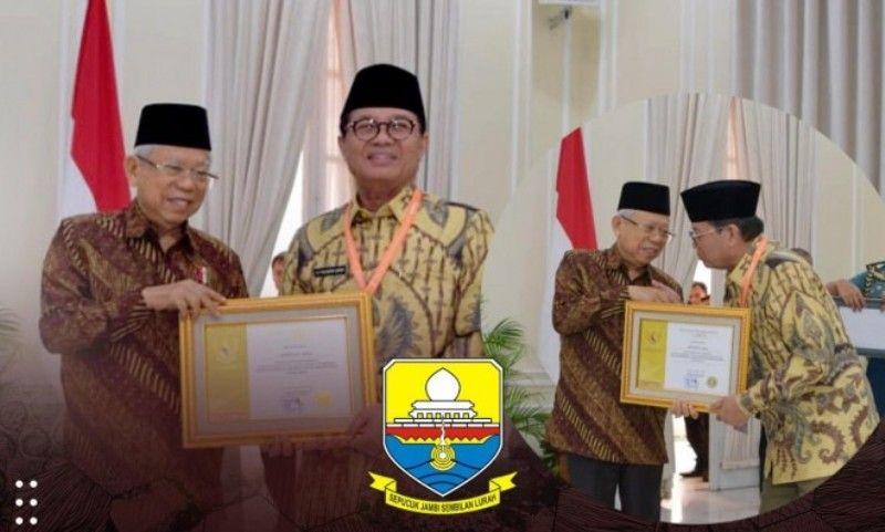 Gubernur Jambi, Fachrori Umar, meraih Penghargaan Paramakarya Tahun 2019 dari Kementerian Ketenagakerjaan Republik Indonesia yang diserahkan oleh Wakil Presiden RI, Ma'ruf Amin, di Istana Wakil Presiden Republik Indonesia, Jakarta, Kamis (28/11).