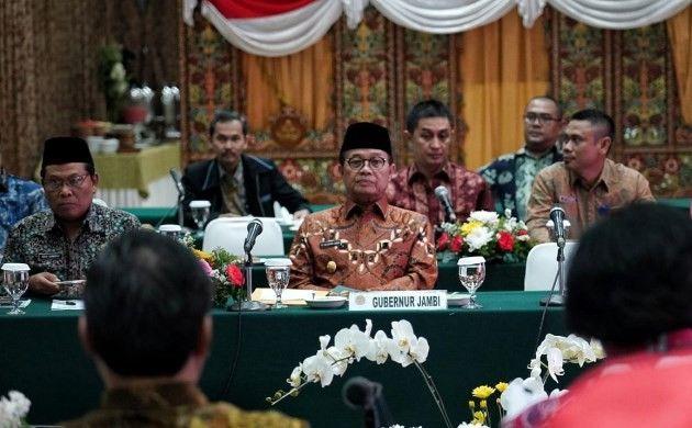Fachrori Umar mengikuti konsultasi teknis dengan Menteri Lingkungan Hidup dan Kehutanan (LHK) Republik Indonesia, di Ruang Rimbawan I Gedung Manggala Wanabhakti, Jl. Gatot Subroto, Slipi, Jakarta.