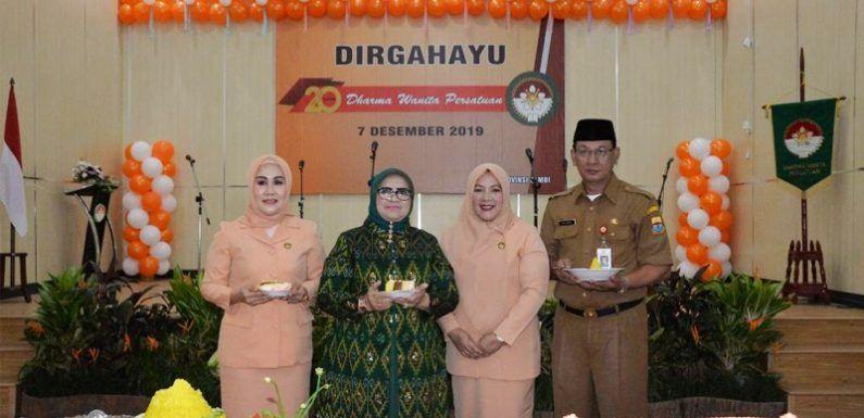 Peringatan HUT Dharma Wanita Persatuan (DWP) ke-20 Tingkat Provinsi Jambi, Senin (9/12)