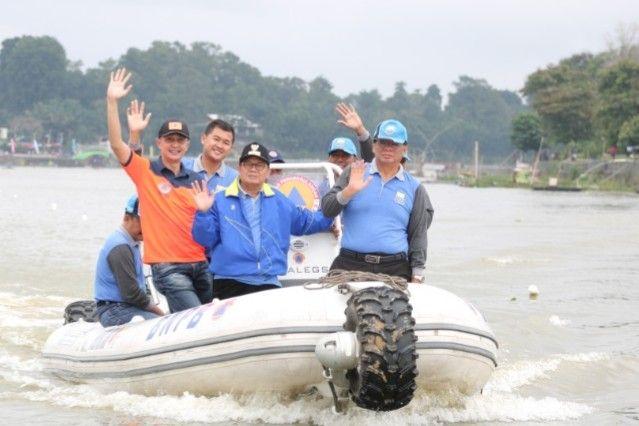 Pembukaan Lomba Perahu Tradisional Tahun 2019, yang berlangsung di Kawasan Danau Sipin - Jambi, Minggu (08/12/2019).