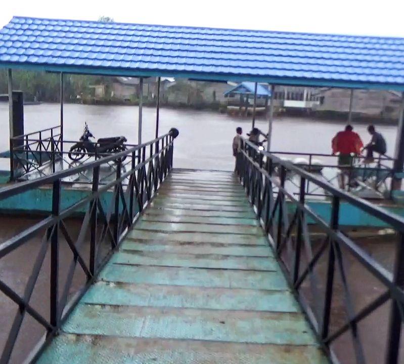 Hallte Air di  kecamatan Betara.