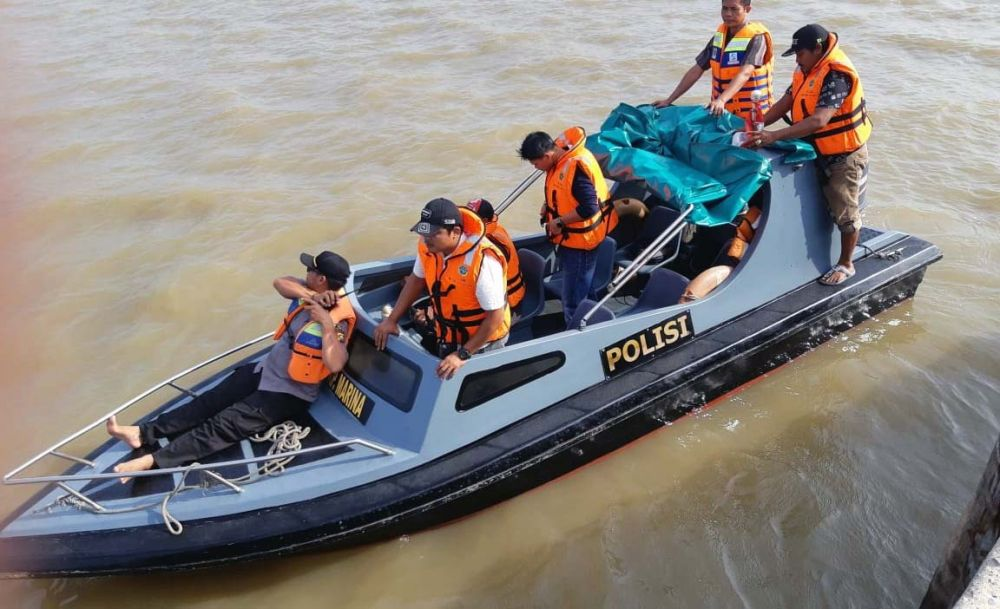 Pencarian korban tenggelam.