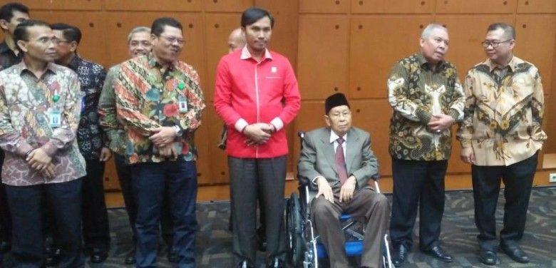 Ketua DPRD Provinsi Jambi saat menghadiri pelantikan Prof Sutrisno sebagai Rektor Unja periode 2020-2024, Jumat (31/1).