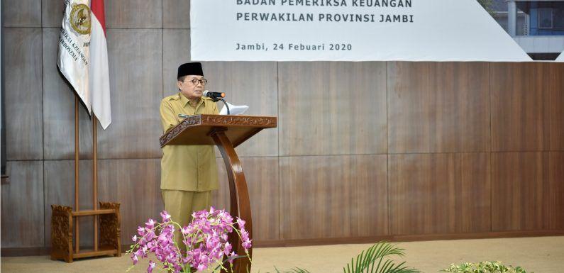 Gubernur Jambi Dr.Drs.H.Fachrori Umar,M.Hum