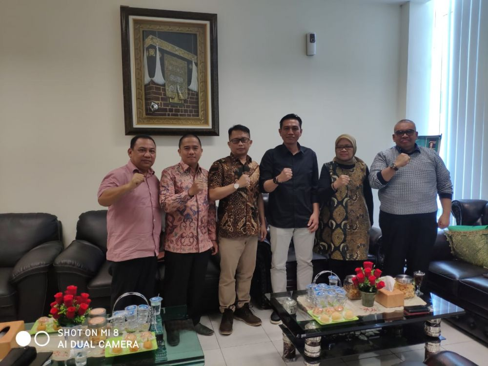 Muhammad Fadil Arief bersama pengurus PPP dan ketua Evi Suherman