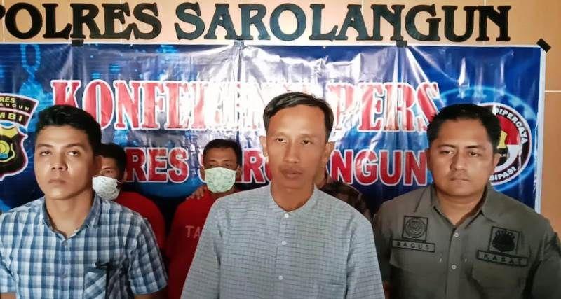 Kpolres AKBP Deny Heryanto bersama Kasat Reskrim IPTU Bagus Faria dan Kanit Tipidter IPDA Kevin Hotlando