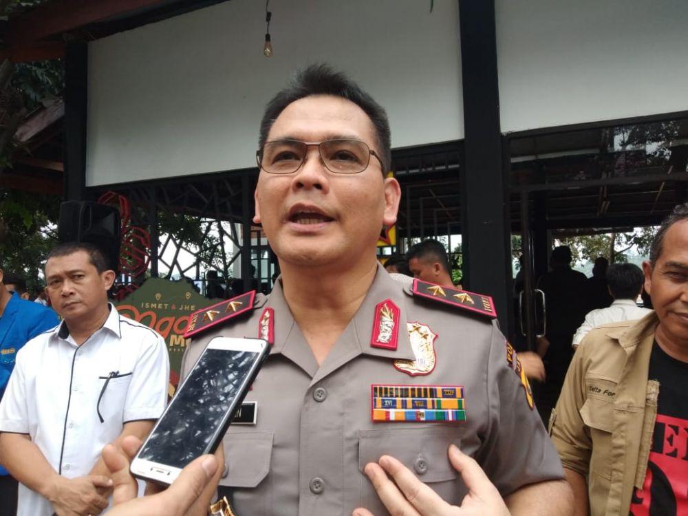 Kapolda Jambi, Irjen Pol Firman Shantyabudi memberikan keterangan pada wartawan.