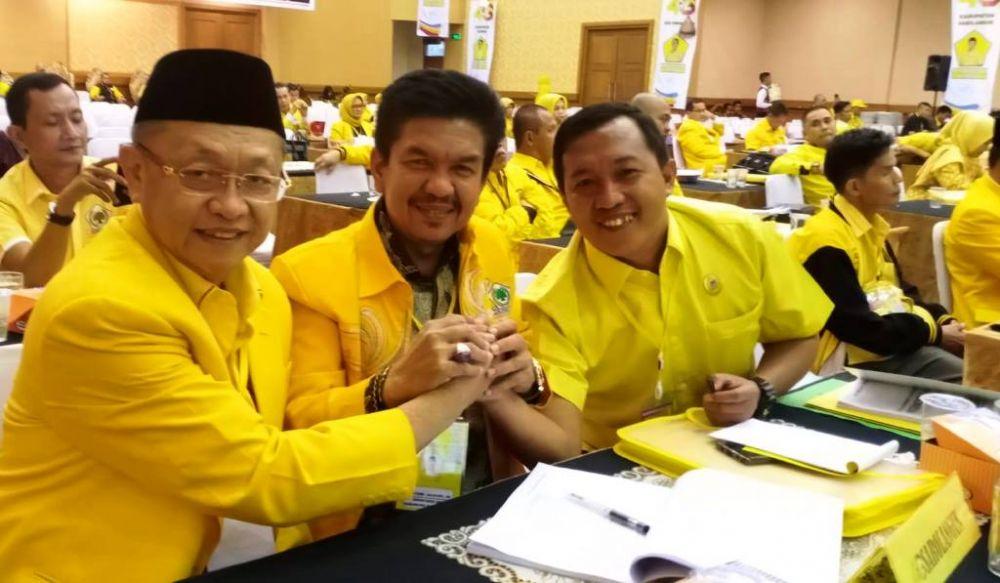 Ketua DPD I Golkar Jambi, Drs H Cek Endra bersama Calaon Ketua DPD II Golkar Sarolangun, Tontawi Jauhari Se dan bendaharawan Golkar, Hamdan