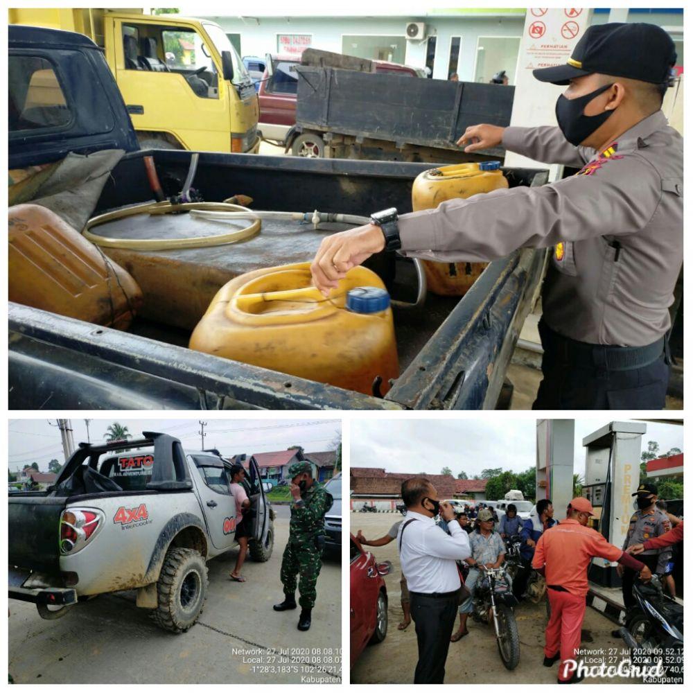 Kapolsek Tebo Tengah saat melakukan razia gabungan di SPBU KM 3 Muaro Tebo