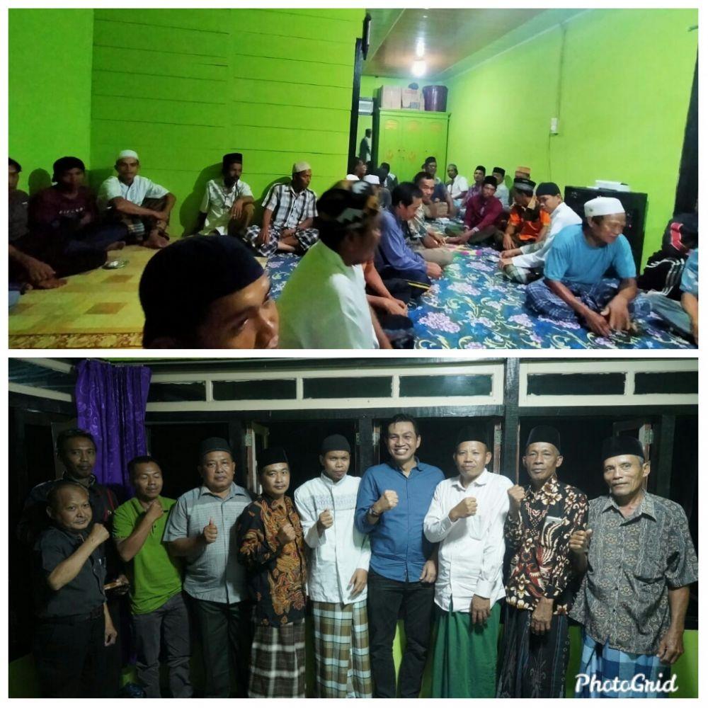Warga Desa Peninjauan Maro Sebo Ulu bersama Muhammad Fadhil Arief