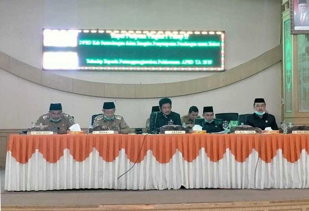Tontawi Jauhari SE, Ketua DPRD pimpin rapat paripurna beberapa waktu yang lalu
