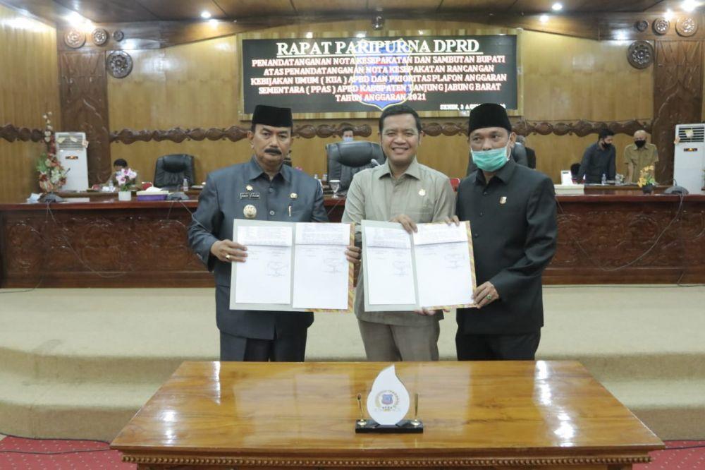 Amir  Sakib bersama pimpinan dewan