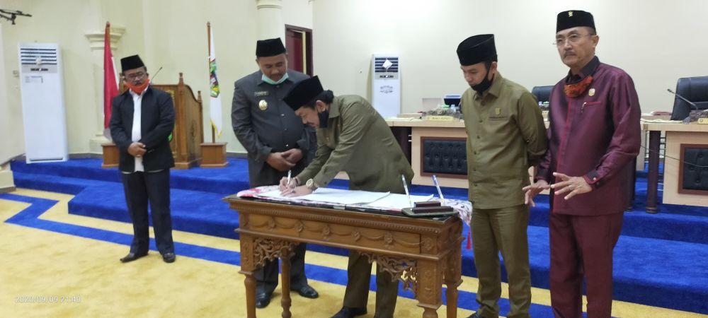 Persetujuan Ranperda P-APBD Kabupaten Sarolangun tahun 2020, Rabu (09/09), ini malam
