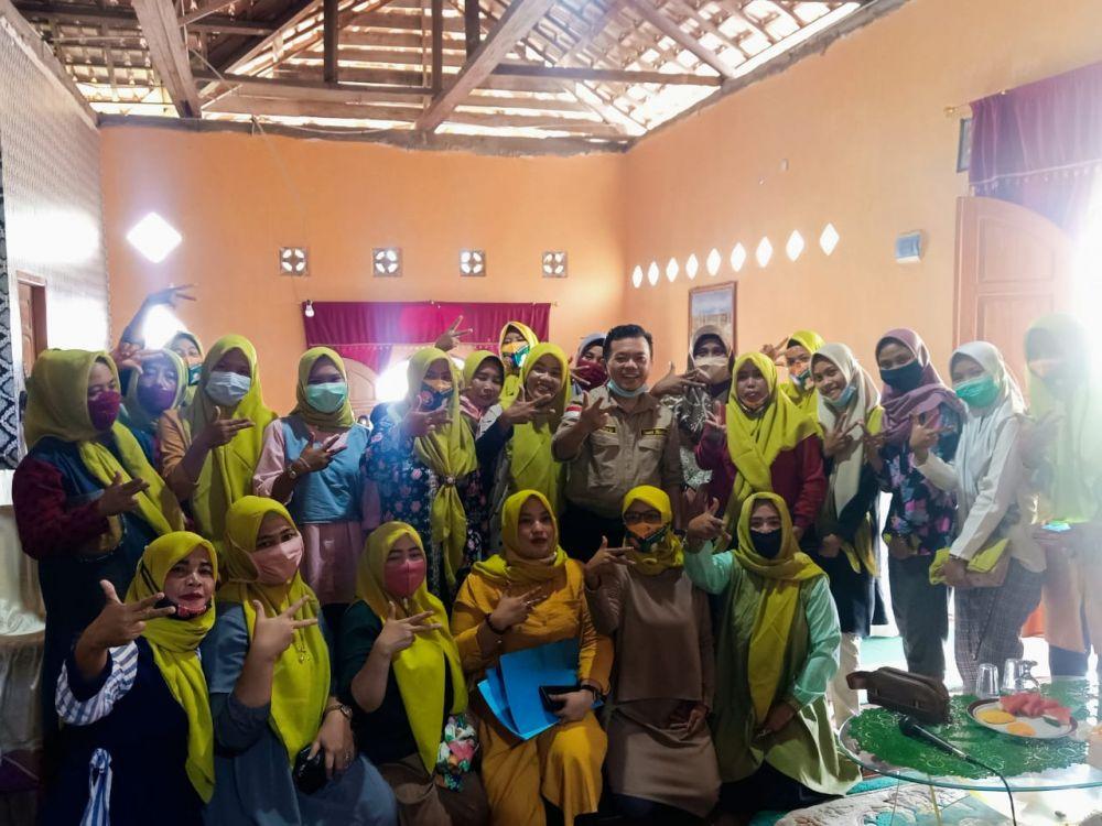 Tim pemenangan perempuan Haris-Sani