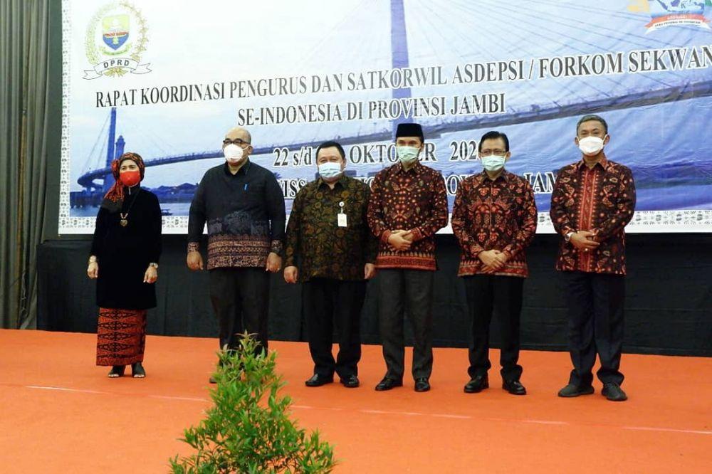 Rakor Pengurus Satkorwil ASDEPSI atau Forkom Sekwan se-Indonesia di Provinsi Jambi, Kamis (22/10) di hotel Swisbel.
